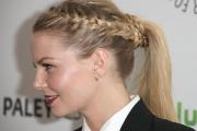 acconciatura-capelli-lunghi-treccia-laterale-e-obliqua