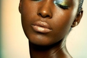golden-blues-shiny-shimmer-makeup-2