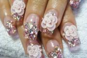 rhinestone-flower-nail-designs