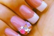 rhinestone-nails