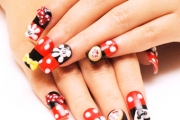 mickey-mouse-theme-nail-arts