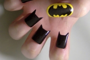 funny-nails-art-batman