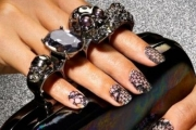 nail-lace-fashion