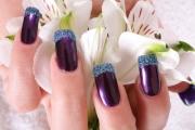 Lila manicure hand