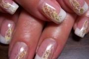 glitter-nail-artglittery-nail-art-nadyana-magazine-26zwaa6l
