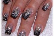 glittery_nail_art