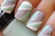 mint-white-geometry-silver-glitter-nails