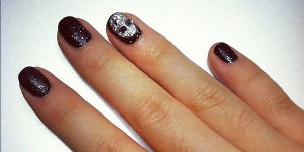 manicure Halloween teschi